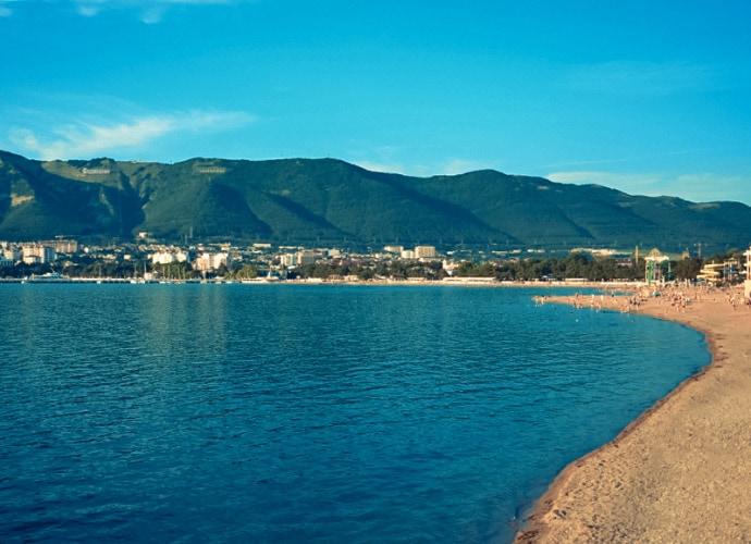 🐹 Пляжи Геленджика, обзор городских и диких пляжей города.