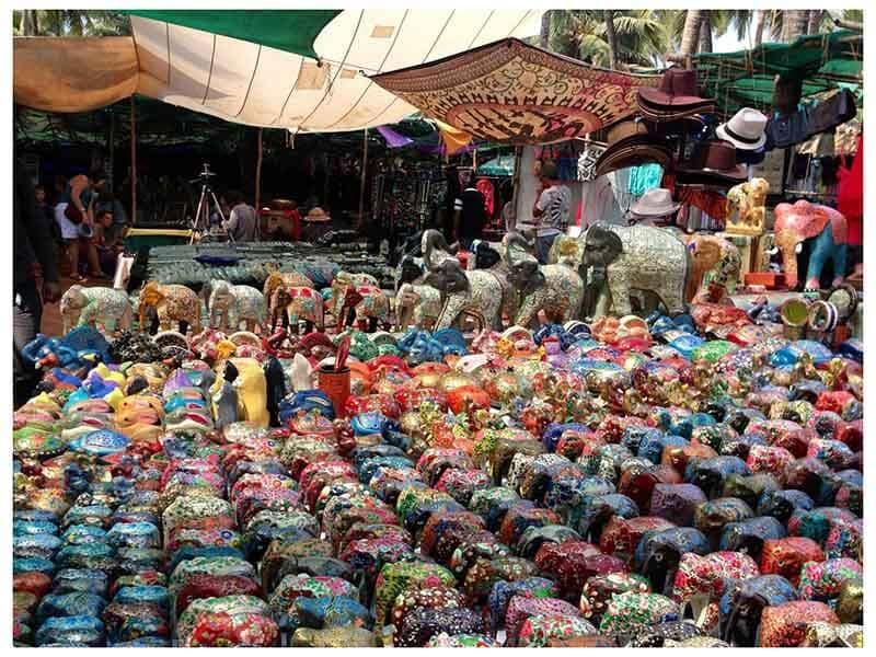 Блошиный рынок в Анжуне