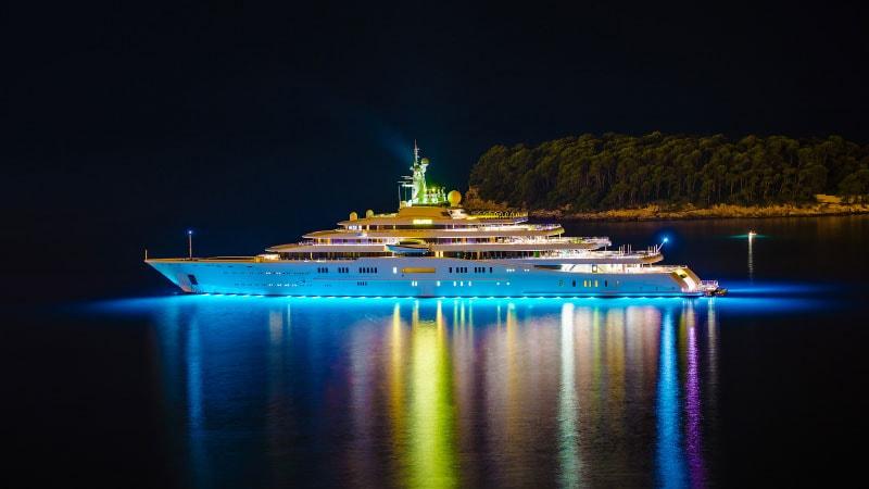 Яхта Eclipse