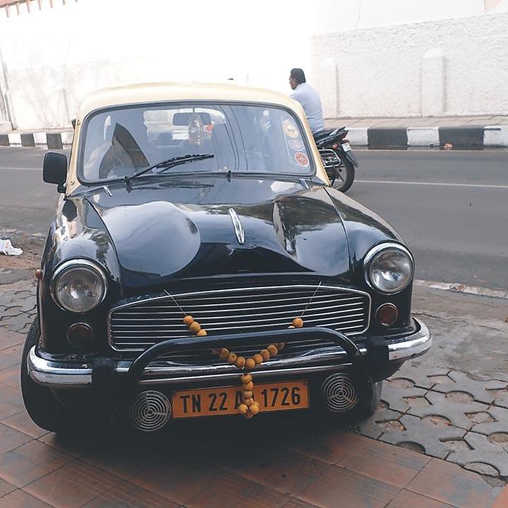 Такси, автомобиль Амбасадор