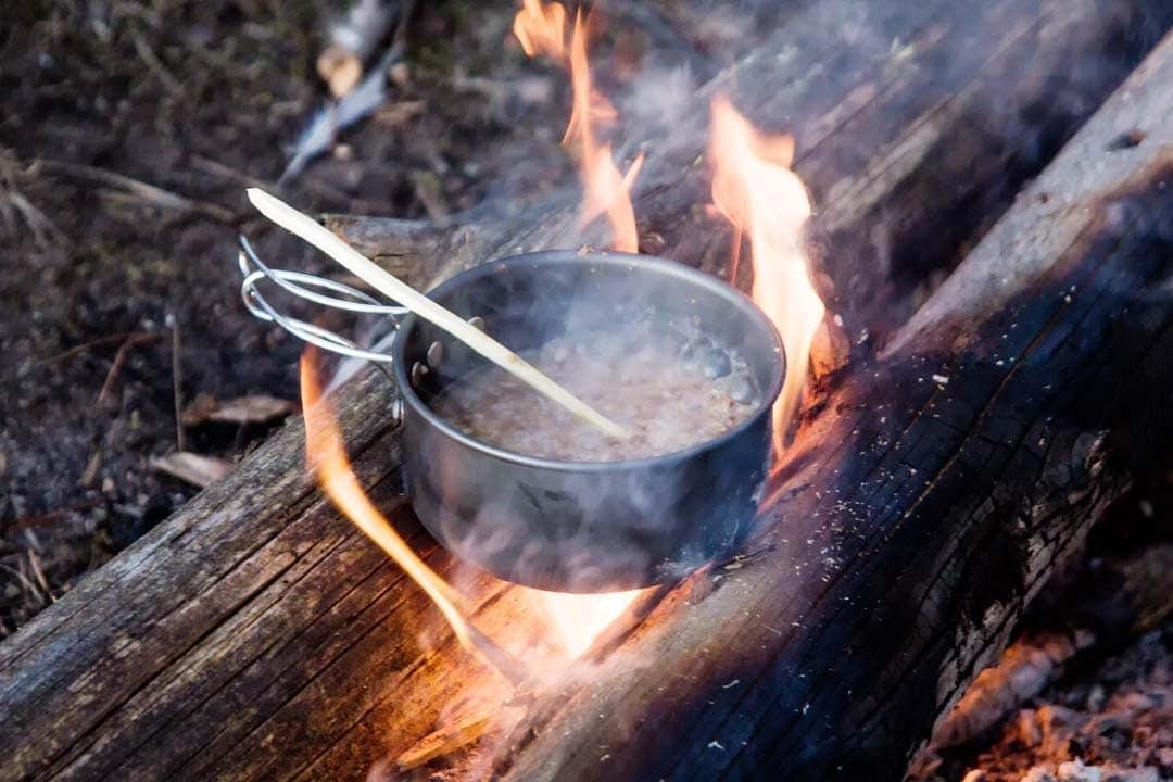 Приготовление еды на костре
