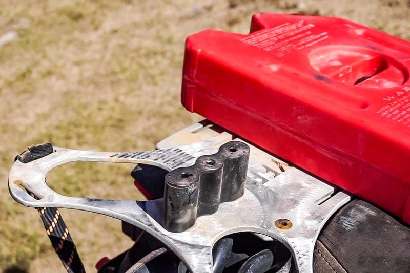 Крепление канистр к мотоциклу